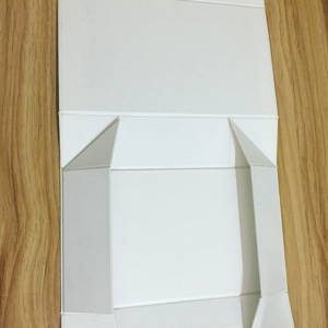 Flat Pack With Paper Insert Box